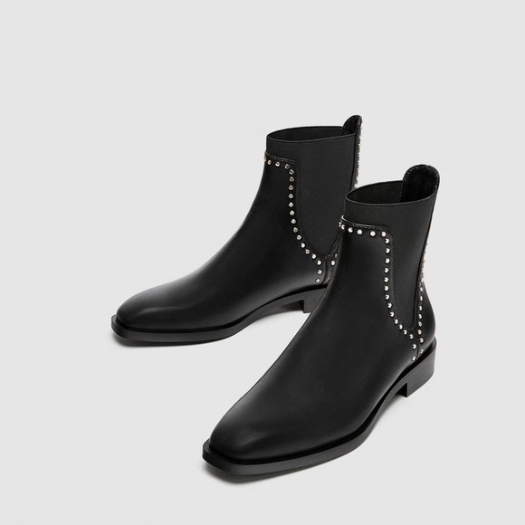 02986e162c4 Flat ankle boots with studs
